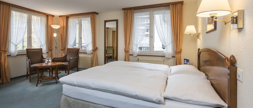 doppelzimmer-komfort-2_sunstar-hotel-saas-fee_original_7497.jpg